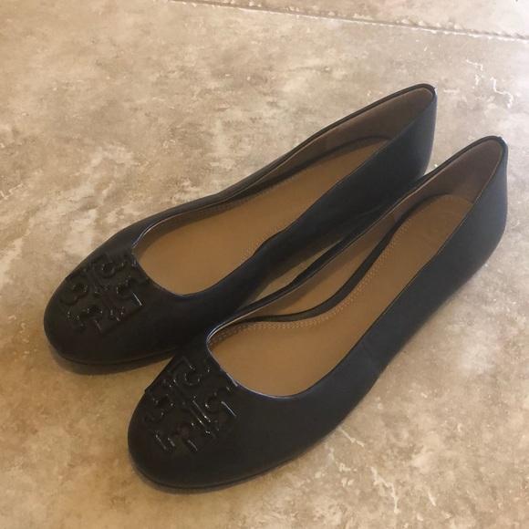 58b26acc80d Tory Burch Shoes - Women s Tory Burch Leather Flats Shoes US 9